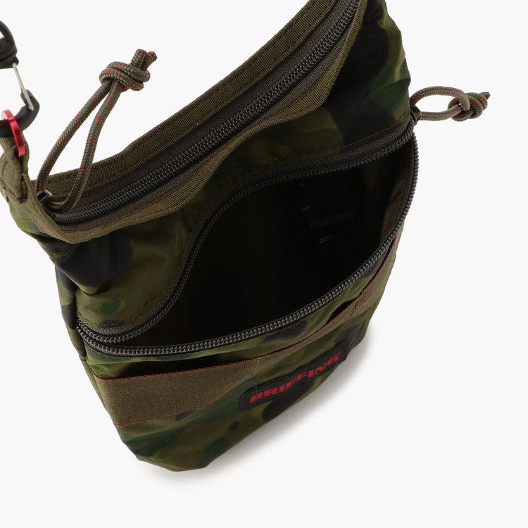 フロントには使用頻度の高い小物類の収納に便利なジップポケットを完備。