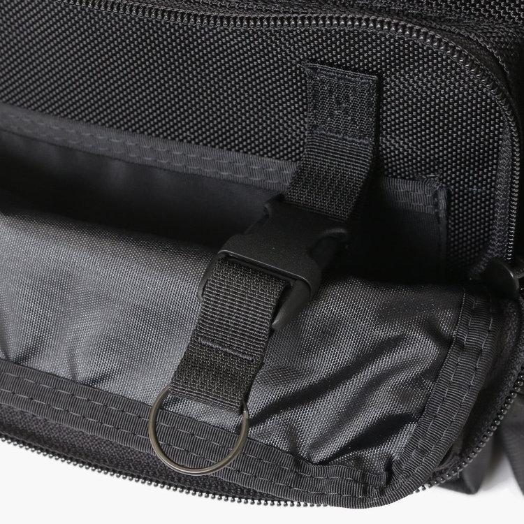 ブリーフィングNEO B4 LINERバッグキーホルダー用ポケット