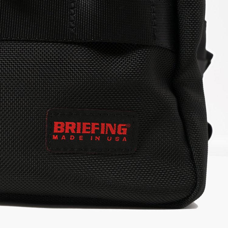 BRIEFINGが使用しているマテリアルの中で最もヘビー。強度や耐久性、耐摩耗性に優れた「バリスティックナイロン」を使用。