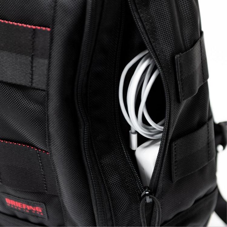 ブリーフィングリュックGRAVITY PACK(グラビティーパック)両サイドのジップポケット