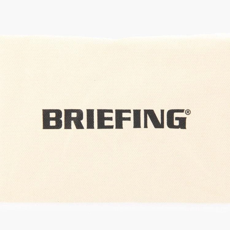 底面に配したBRIEFINGロゴ。