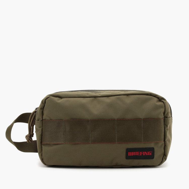 ブリーフィングのナイロン製セカンドバッグ