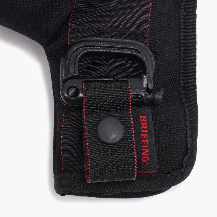 ベルトループなどに装着可能なグリムロックを装備。