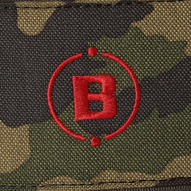 丈夫で型崩れしにくく、毛羽や毛玉を抑える最新の紡績技術を用いた「ボルテックスキャンバス」をメイン素材に使用。