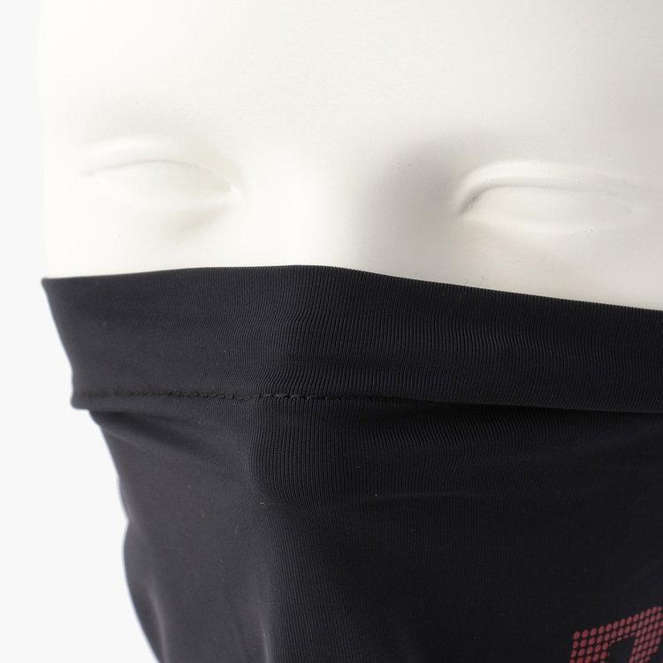 丈夫にノーズキーパーを搭載し、口元まで覆う際は程よくフィットします。