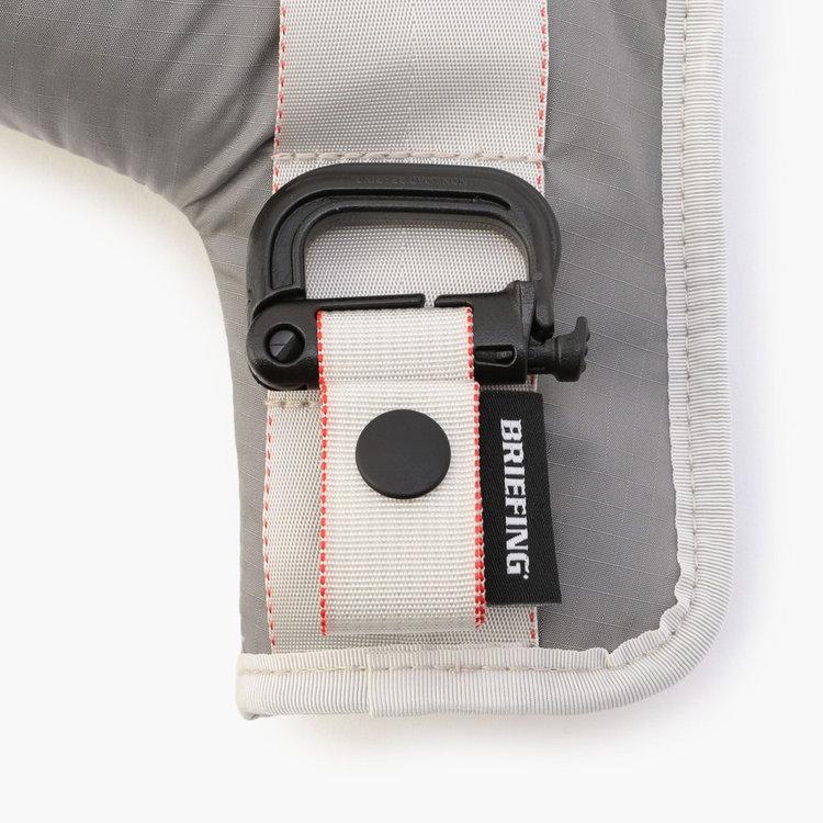 ベルトループなどに装着可能なグリムロックを装備