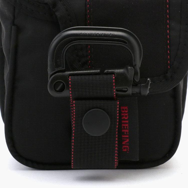 パンツのベルトループに装着可能なグリムロックが付属。グリムロックとパターカバー本体の接続部にマグネット式バックル「FIDLOCK(フィドロック)」を採用。パターカバーの取り外し・装着が容易に。