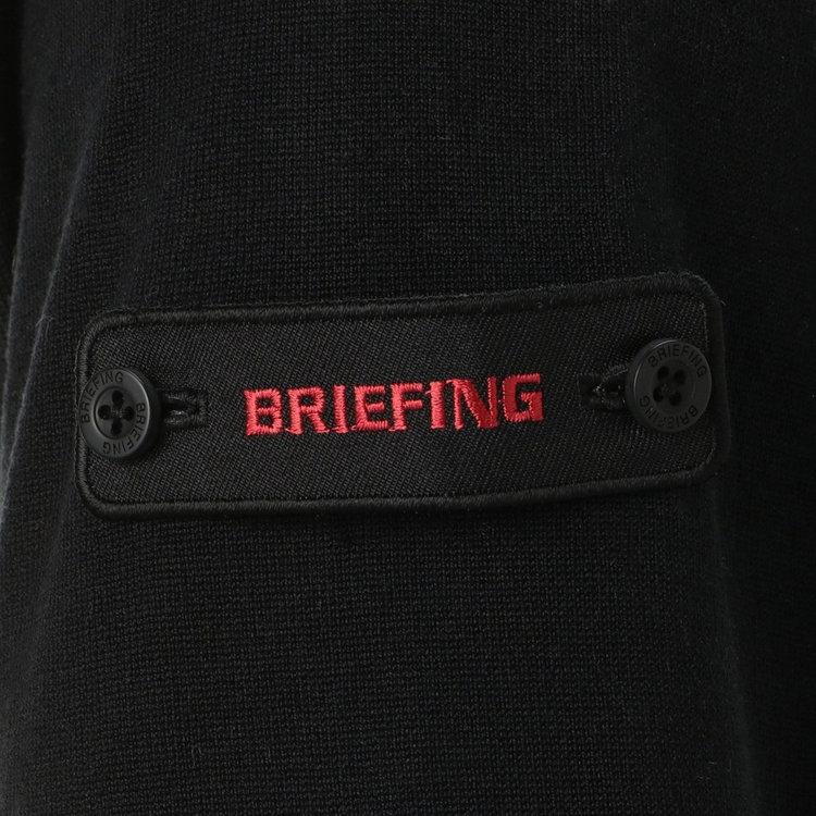 表にBRIEFINGロゴ、裏にBマークをあしらったワッペンは、その日の気分で表裏を変えたり取り外したりすることが可能です。