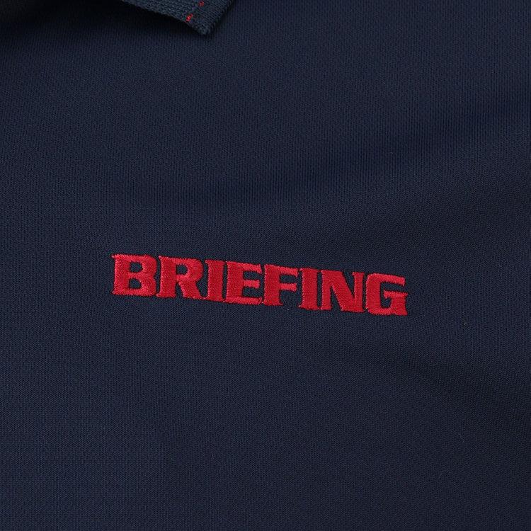 胸元に配したBRIEFINGロゴの刺繍。