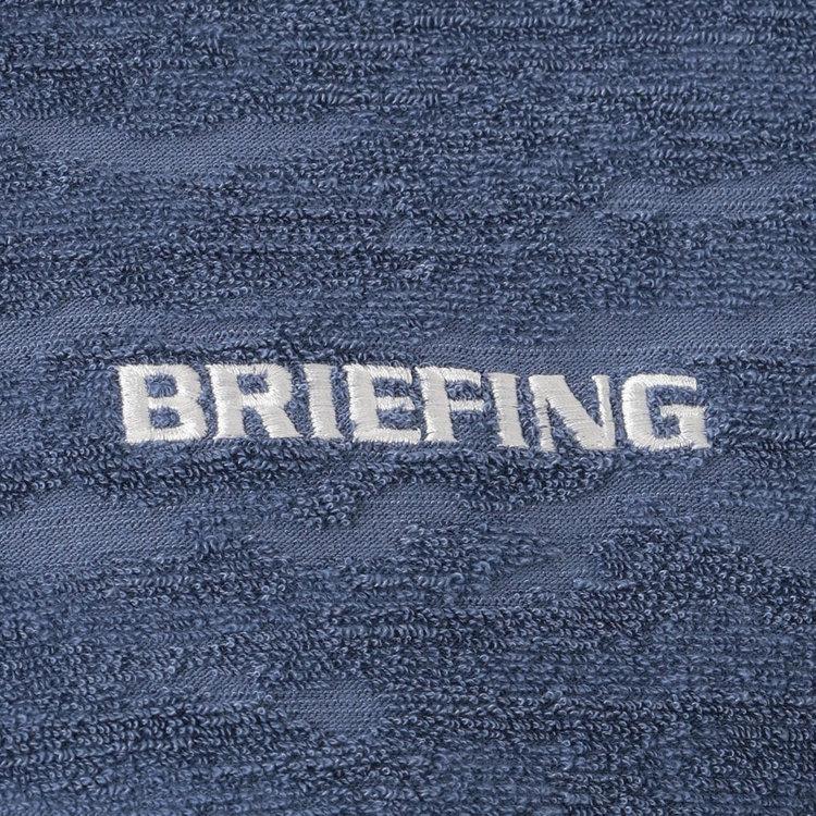 胸元にはBriIEFINGロゴの刺繍をあしらい、さりげないアクセントに。