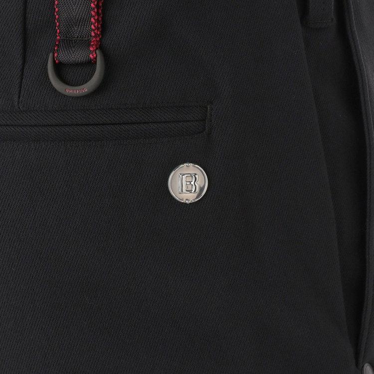 バックポケット部分に配したBマークのメタリックロゴ。