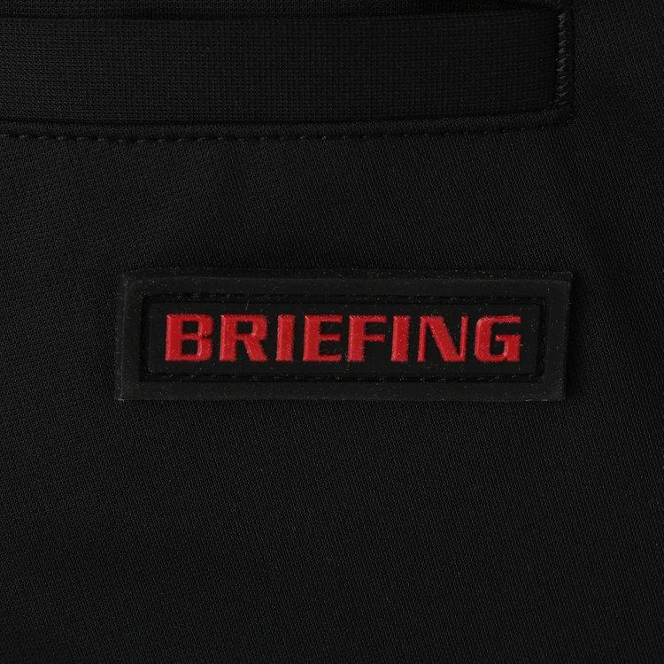 バックポケット部分にはBRIEFINGロゴ入りのシリコンワッペンを配し、さりげないポイントに。
