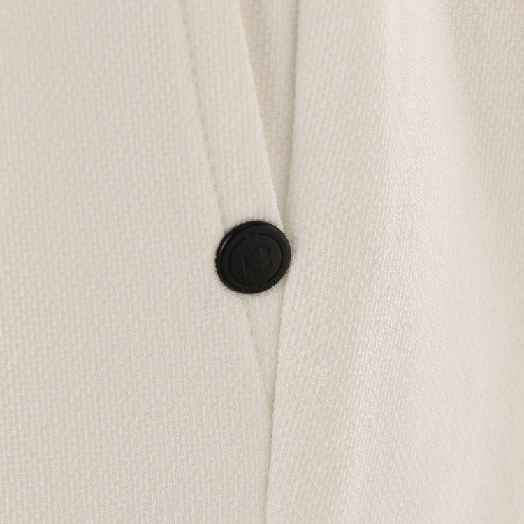 ポケット口にあしらったリベットはBマークロゴを配したオリジナルデザイン。