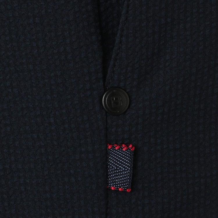 ポケットにはBマーク入りのリベットを配し、その下には配色のステッチを施したティーホルダーをあしらいました。