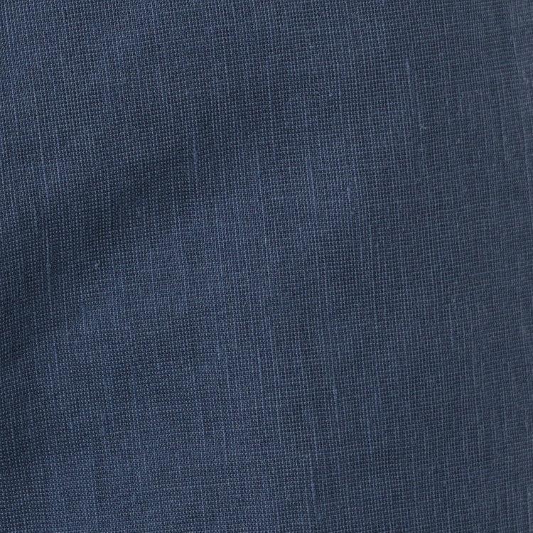 清涼感ある質感と高い通気性が特徴のリネンにコットンを混紡する事で風合いの良さをプラスしたストレッチ生地メインに使用。