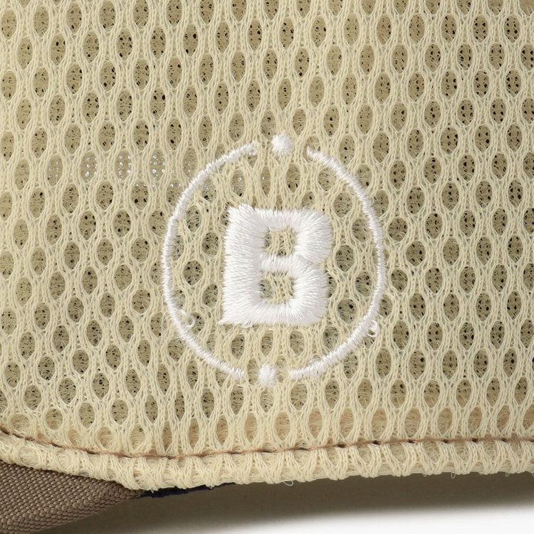 サイドにはBマーク、BRIEFINGロゴの刺繍を配し、さりげないアクセントに。