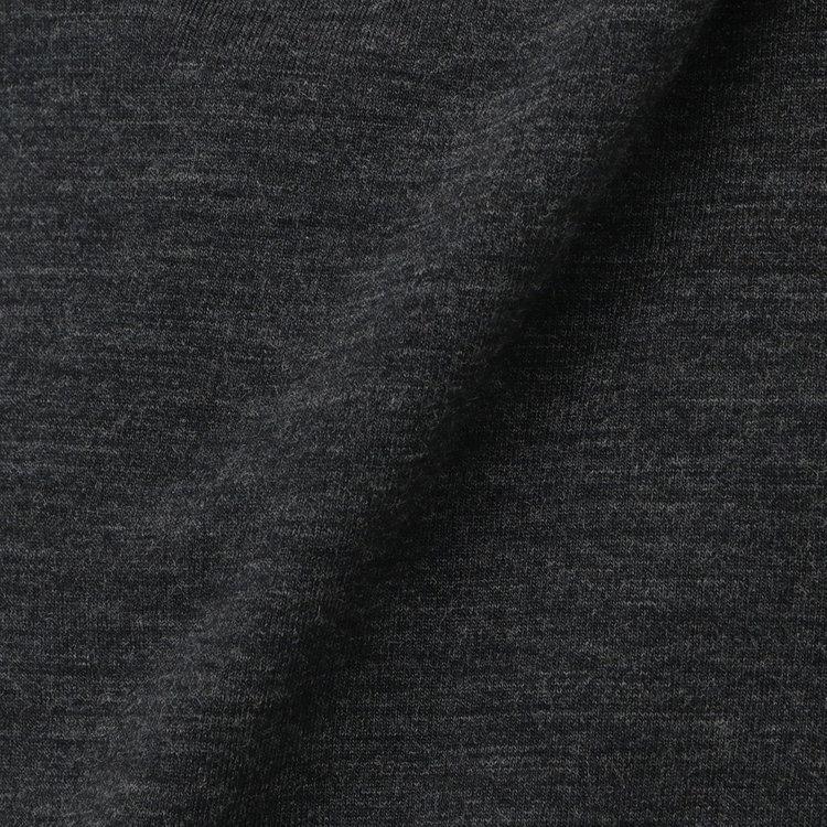 天然の防菌防臭、温度調節機能、吸湿性に優れるMt.Breath Woolをメインに使用。また、ご家庭での洗濯が可能なウォッシャブル仕様なのも嬉しい魅力。