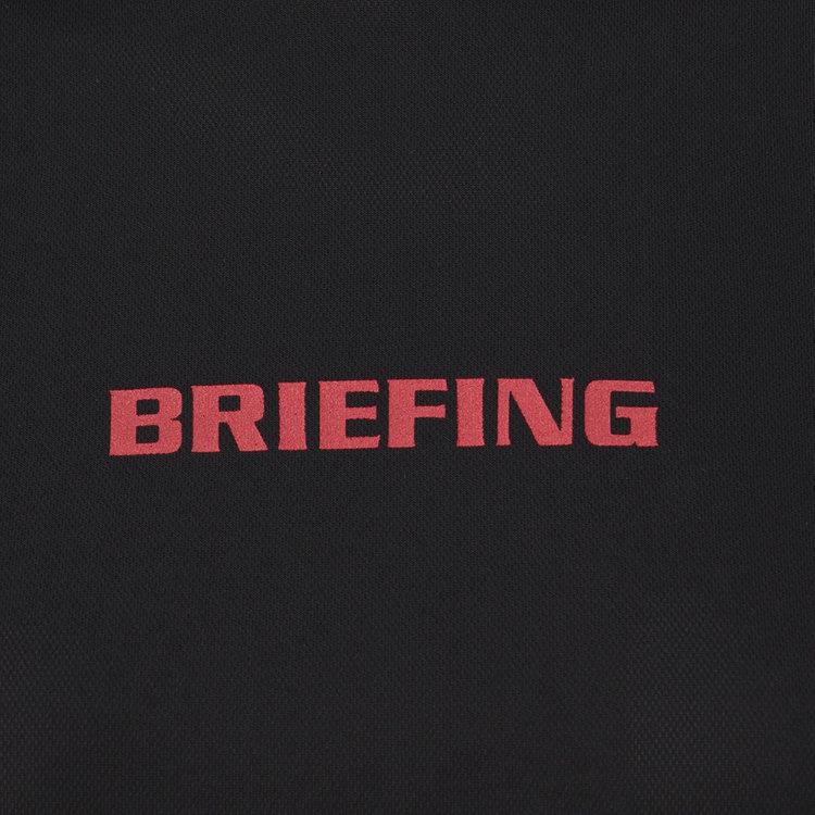 フロントにBRIEFINGロゴを配し、さりげないアクセントに。