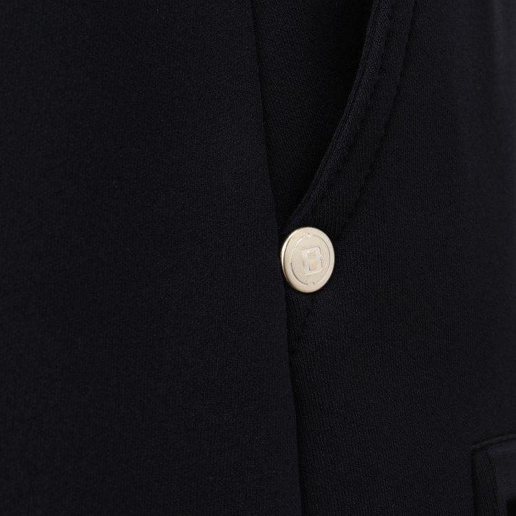 ポケット口にはBマークモチーフをあしらったオリジナルのリベットをあしらいました。