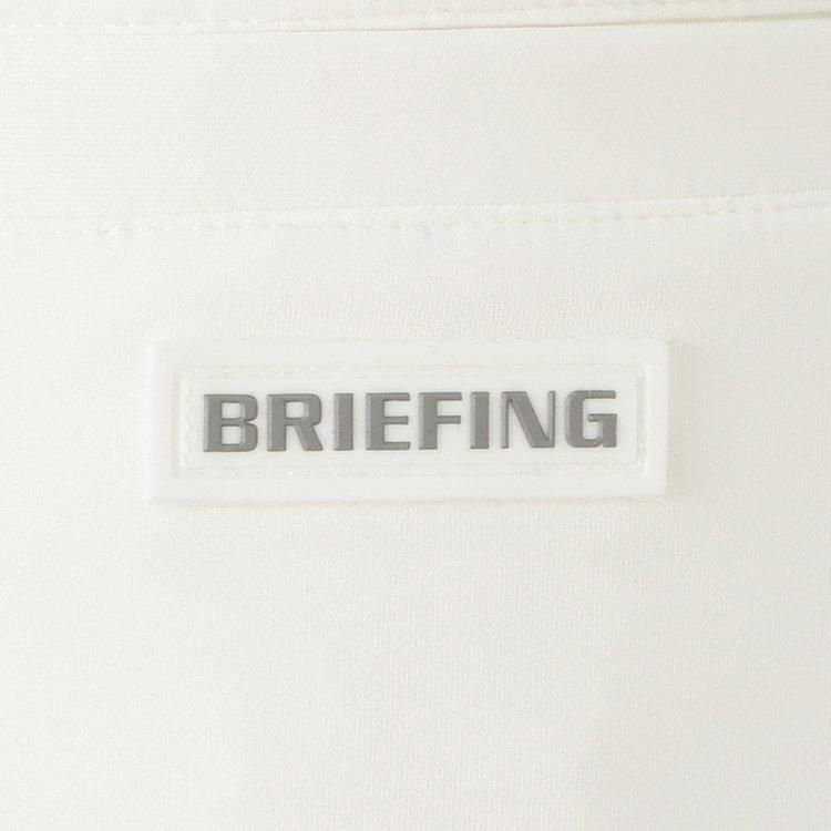 バックポケットにはBRIEFINGロゴ入りのシリコンワッペンをあしらい、さりげないアクセントに。