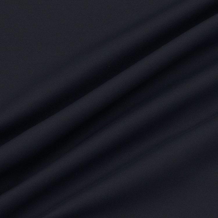 接触冷感・吸湿速乾・UVカット・透け防止と、アクティブシーンに最適な機能性を持った素材をメインに使用。縦横に伸縮し、着心地も抜群。