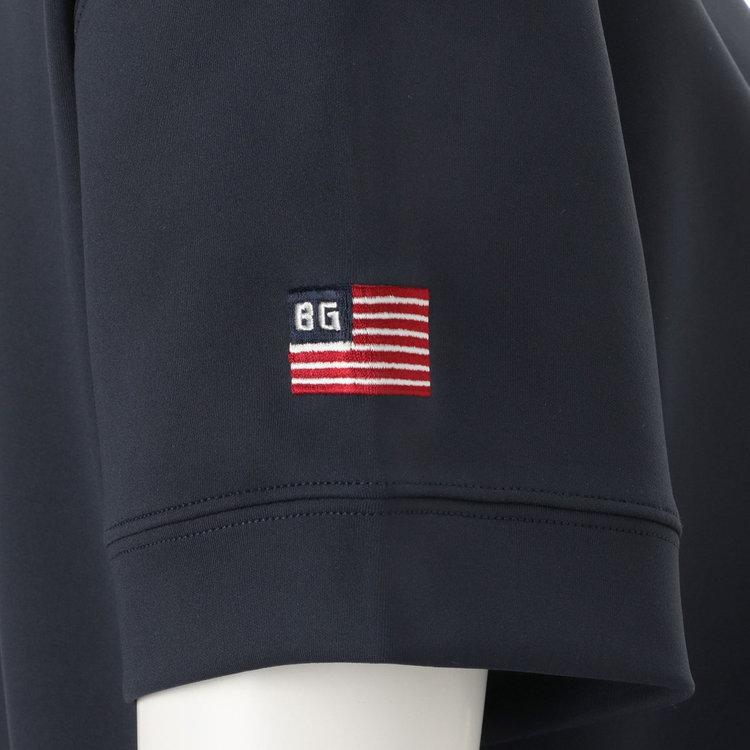 右袖に配した星条旗モチーフの刺繍がさりげないアクセントに。