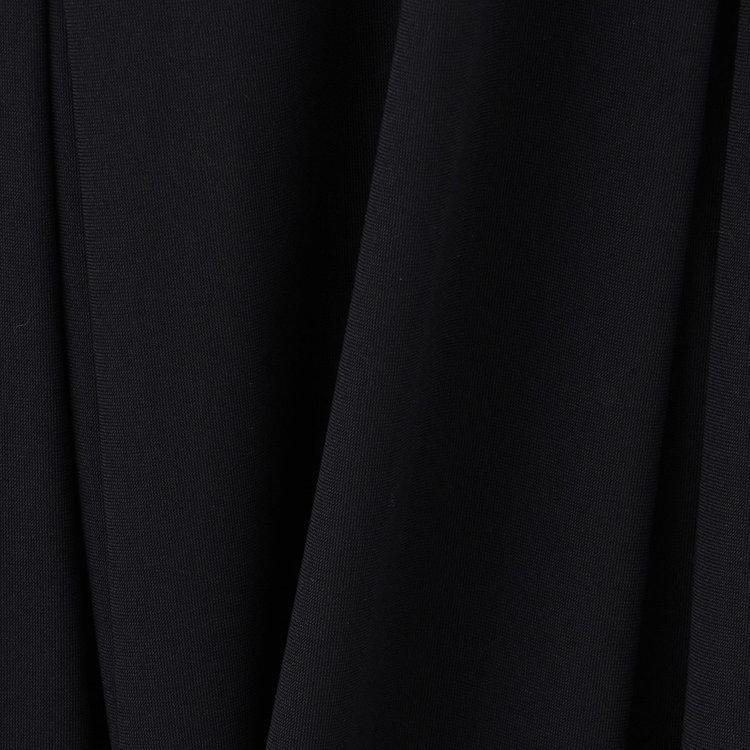 伸縮性にすぐれたジャージ素材は接触冷感・透け帽子機能を持ち、アクティブシーンでの着用に最適です。