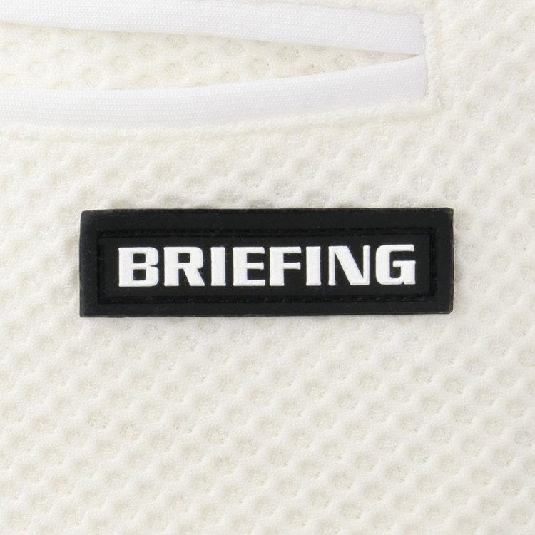 バックポケット下部にはBRIEFINGロゴ入りのシリコンワッペンを配し、さりげないアクセントに。
