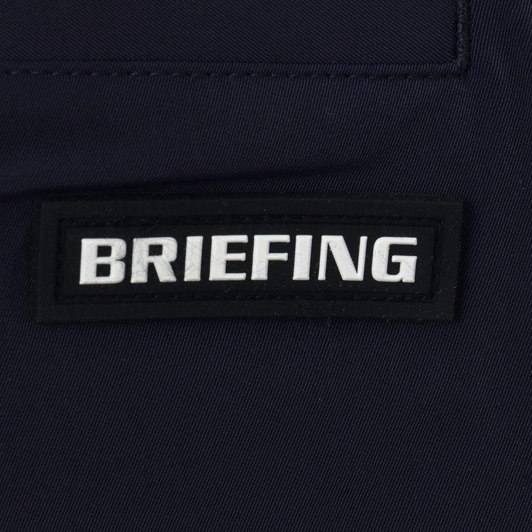 バックポケット部分にはBRIEFINGロゴ入りのシリコンワッペンを配し、さりげないアクセントに。