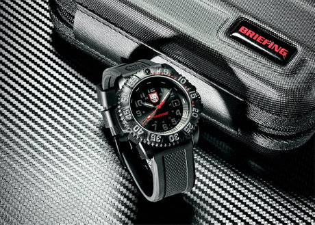 Luminox × BRIEFING Ref.3051.BO.BRIEFING LTD